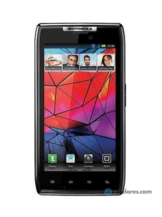 Fotografía grande Frontal del Motorola RAZR XT910 Negro. En la pantalla se muestra Pantalla de inicio
